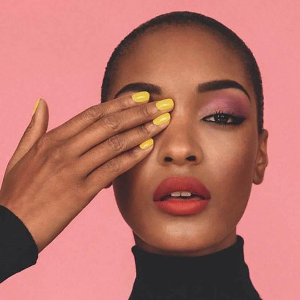 Sombra rosa e uma nova motivação para usar cor nos olhos!